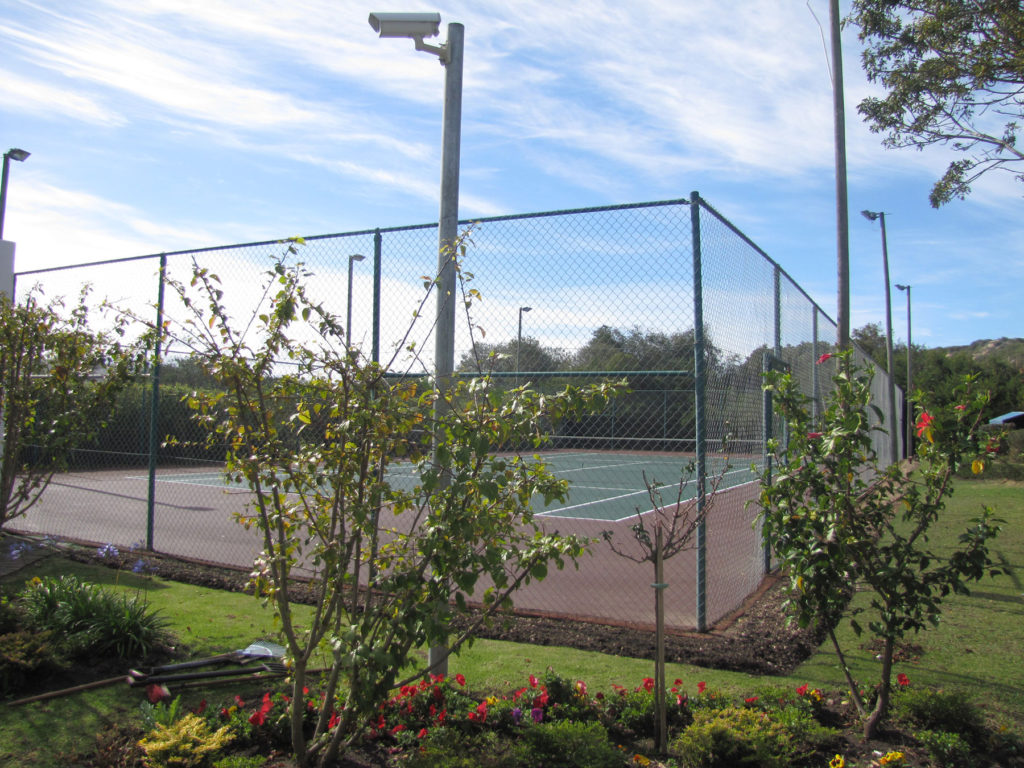 strandmeer-tennis-court